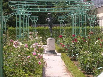 Dijon la roseraie du jardin botanique de l 39 arquebuse dijon 21 21000 - Petit jardin robertson dijon ...
