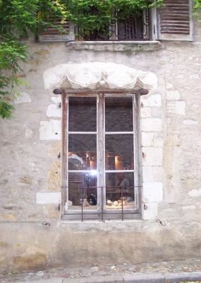 A v zelay fen tre sur rue v zelay 89 89450 http bit for Fenetre sur rue hugo