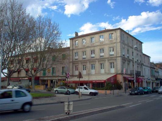 C\'est une maison jaune...   #Arles #13 #13200 http://bit.ly/AB9gtg