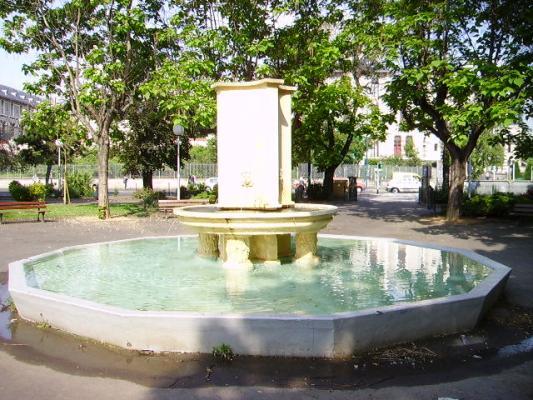 Fontaine bassin de la gare clermont ferrand 63 63000 - Bassin pierre reconstituee clermont ferrand ...