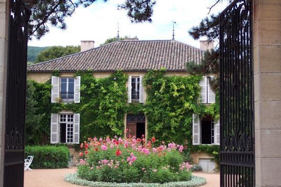 La maison de jeunesse de lamartine milly lamartine 71 for Jardin lamartine