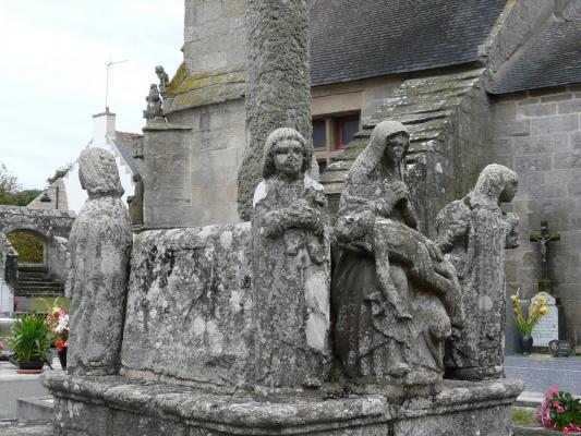 Le calvaire du plac tre de saint tugen primelin 29 for Porte et fenetre sabourin st clet