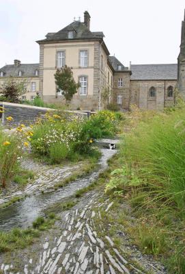 Jardins d eau autour de la cath drale saint pol de l on for Entretien jardin st pol de leon