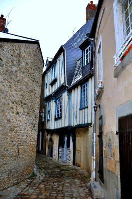 Maison du xv me ruelle du four laval 53 53000 - Hopital saint nicolas de port ...