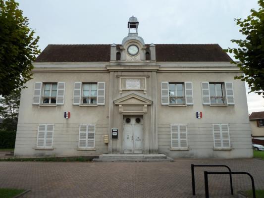 L'ancienne mairieécole #Sainte Genevi u00e8ve des Bois #91 #91700 http  bit ly xAU4cY # Mairie Sainte Genevieve Des Bois