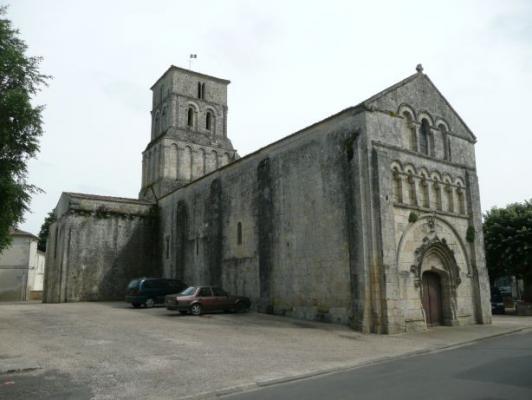 Eglise romane st pierre de champagnoles ext rieur for Eglise romane exterieur