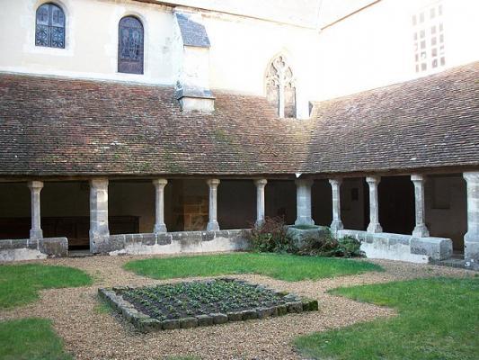 Le clo tre du couvent saint fran ois mortagne au perche for Piscine mortagne au perche