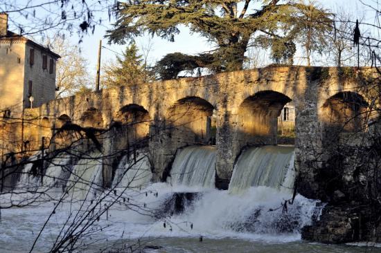 Barran pont barrage de gelleneuve barran 32 32350 for Baise en exterieur