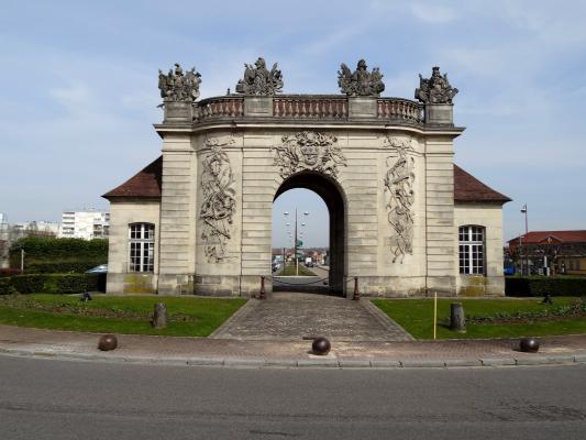La porte du pont vitry le fran ois 51 51300 http bit for Piscine vitry le francois