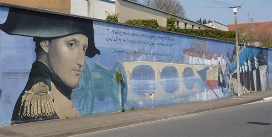 Fresque de la bataille de napol on montereau fault yonne for Montereau fault yonne code postal