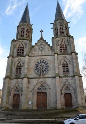 Eglise n o gothique bl mont 54 54450 for Architecture neo gothique
