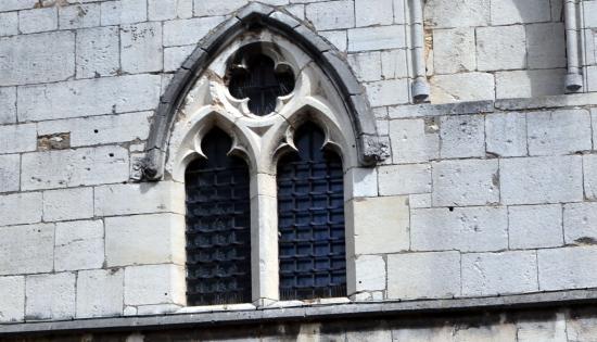Tour gothique toul 54 54200 for Fenetre gothique
