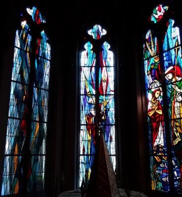 vitraux rond eglise