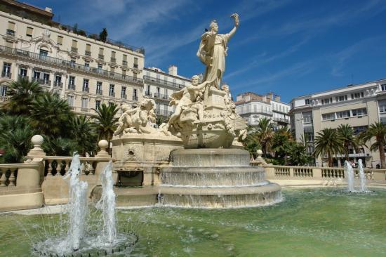 La Fontaine De La Federation Toulon 83 83000 Https Bit Ly