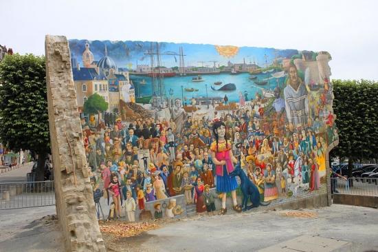 Le Mur Tombé Du Ciel El Xolo Royal De Luxe Nantes